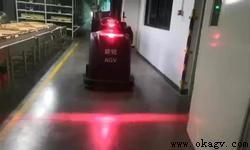 欧铠磁钉导航牵引叉车应用案例